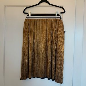 NEW! Metallic Pewter Gold Skirt